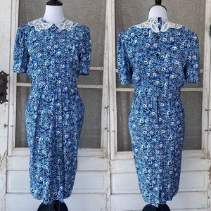 Vintage Blue Floral A-Line Dress with Lace Collar